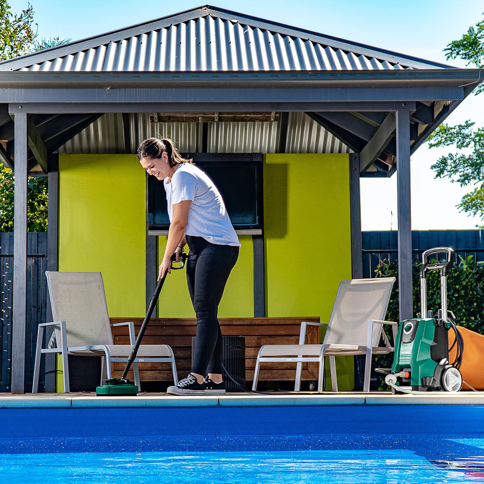 Gerni 5300 - Mid Patio Cleaner - Pool Area