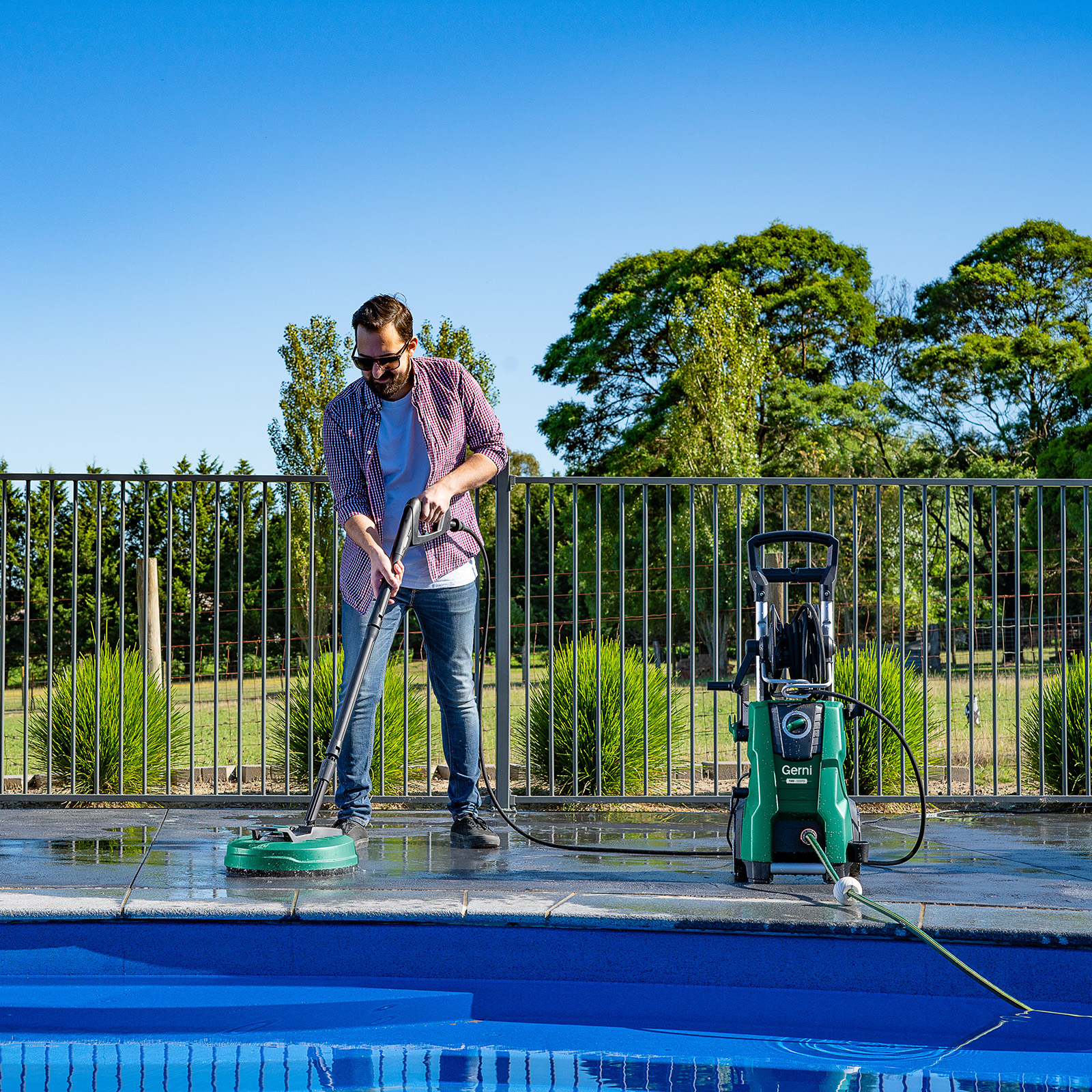 Gerni 7300 - Power Patio Cleaner - Pool Area